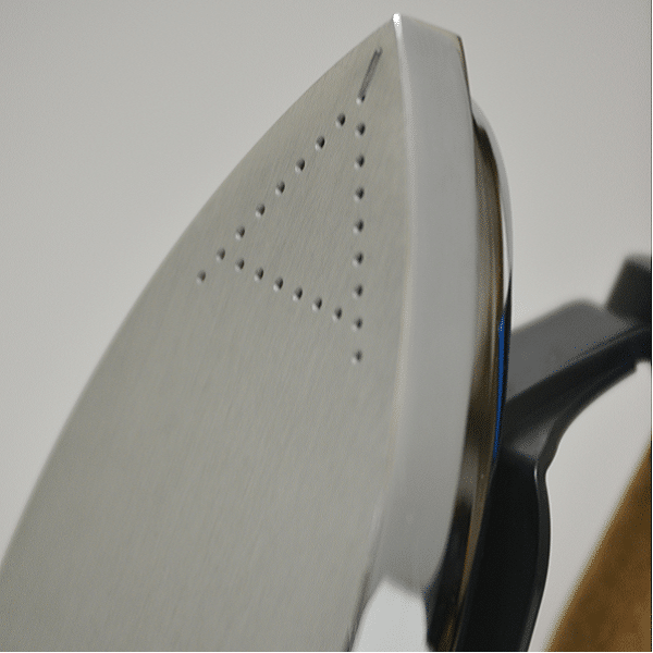 Lelit irons have a robust iron plate. Ideal for hours of ironing.